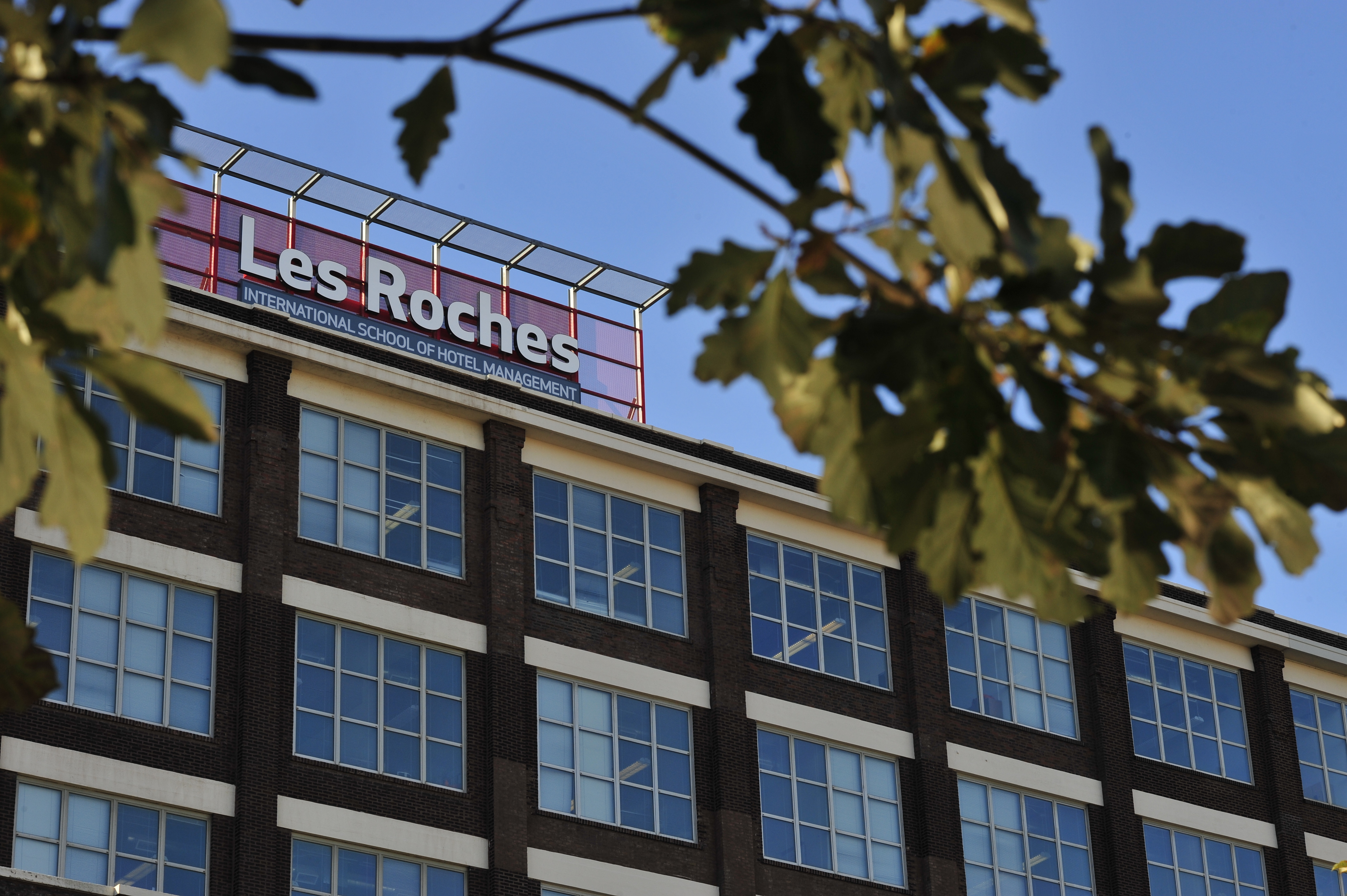 Les Roches opens a new campus in Chicago, becoming the first Swiss hospitality school to open in the US